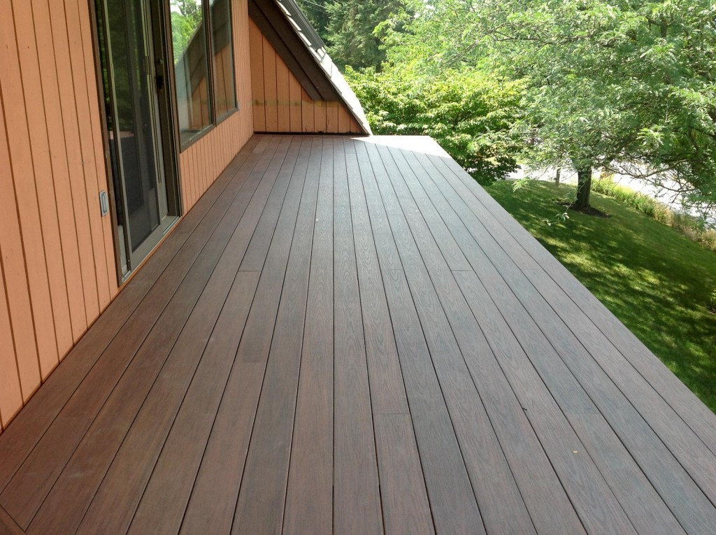composite-deck-by-leids-carpentry-2